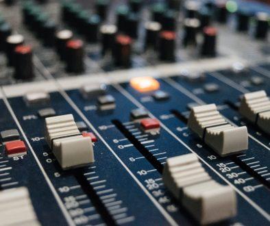 radio XX con la incubadora CON VALORES